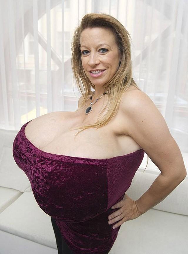 Самая большая женская грудь картинки тебе