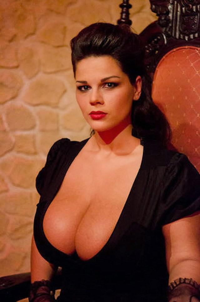 Русские женщины с настоящей грудью фото порно