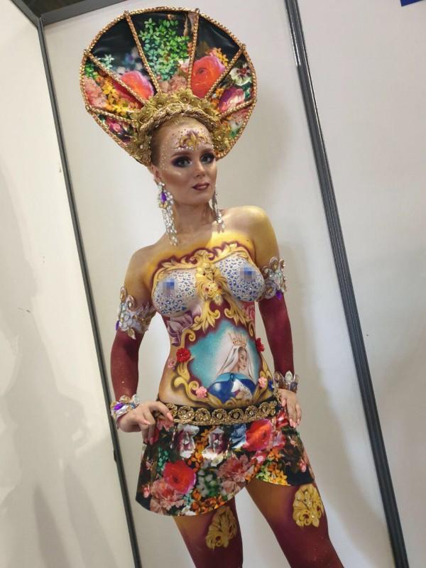 Золотая рыбка из Казахстана покорила парижских ценителей боди-арта