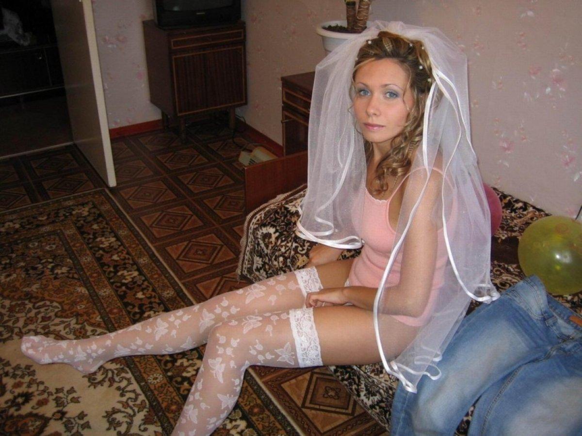 Фото невест в колготках, Голые невесты фото - обнаженные девушки на свадьбе 27 фотография