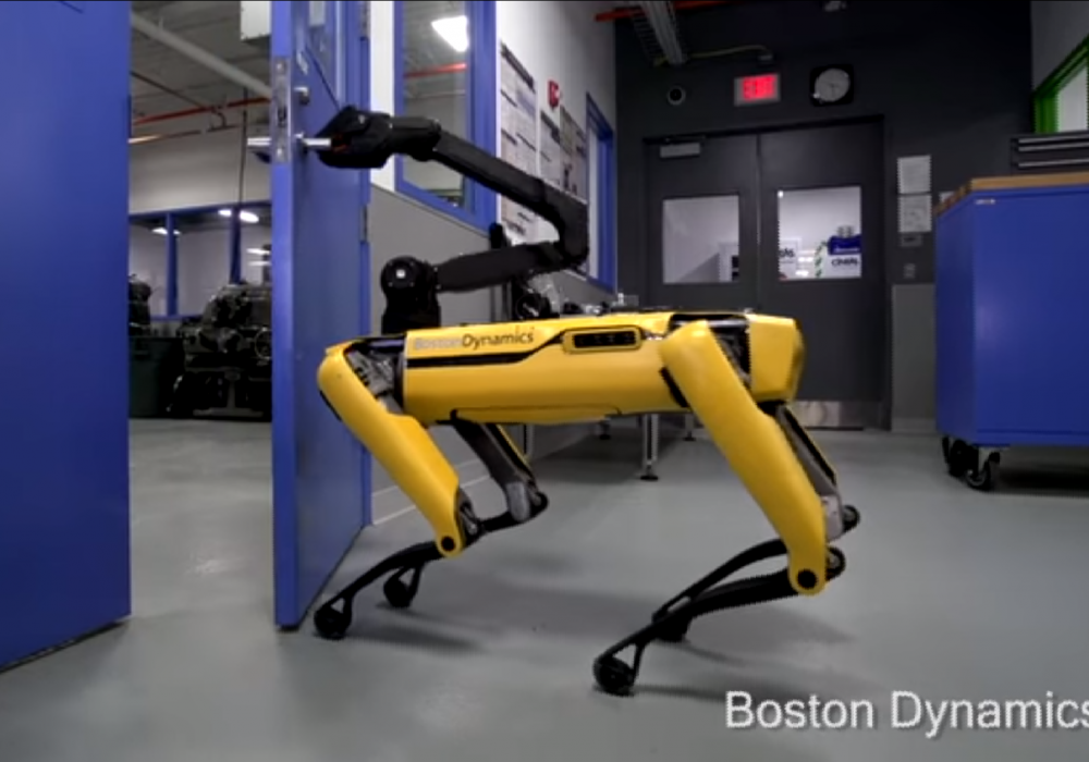 SpotMini. Кадр из видео Boston Dynamics