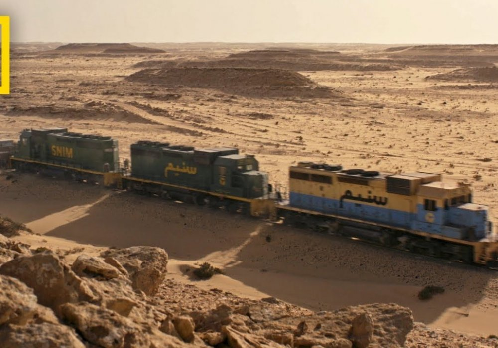 Кадр из видео This Sahara Railway Is One of the Most Extreme in the World